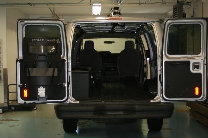 2011-ice-van-installation-035